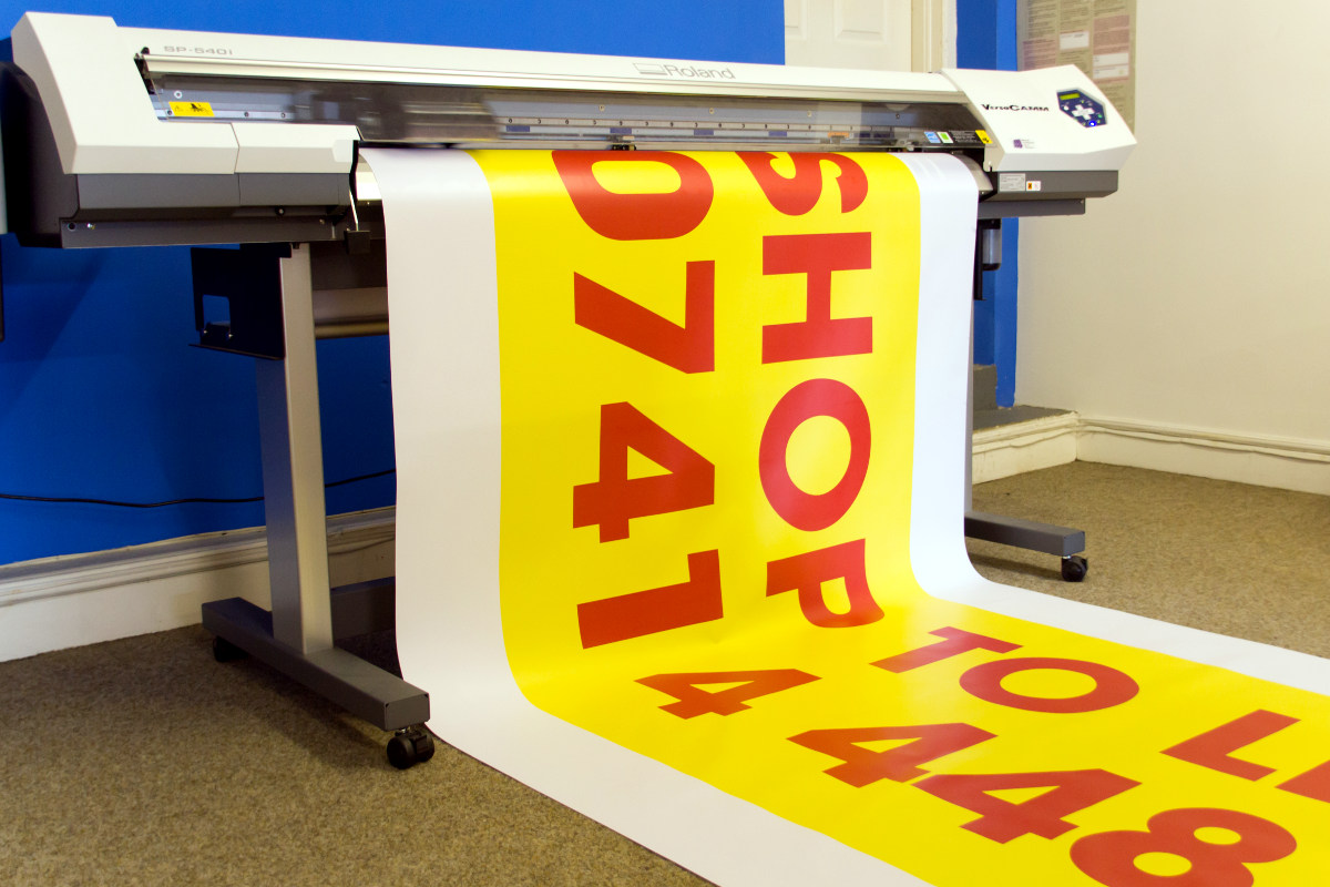 Memilih bahan cetak banner