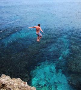 Lompat di Blue Lagoon Bali
